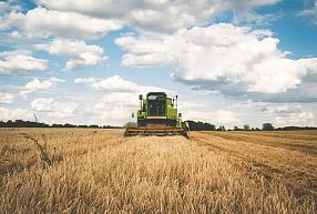 """Lauksaimniecības uzņēmuma """"Agro-Dzelzava"""" apgrozījums pagājušajā finanšu gadā sarucis par 6,1%"""