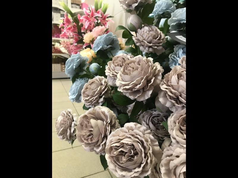 Mākslīgie ziedi rozes