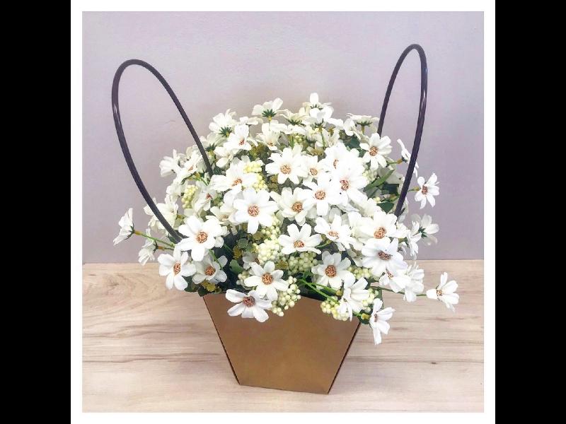 Ziedu saiņošanas materiāli
