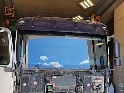 Stikli kravas auto