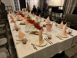 Jubilejas galda klājums