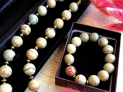 Pusdārgakmeņi, dabīgie akmeņi, rotaslietas, krelles
