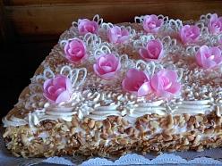 Tortes svinībām