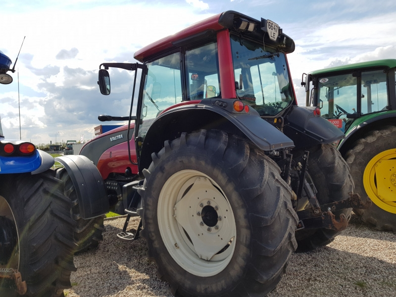 Valtra Lauksaimniecības tehnikas remonts serviss Saldū, Brocēnos