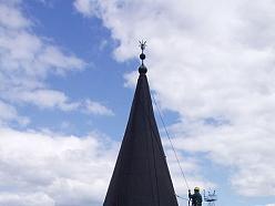 Darbs augstumā, jumta konstrukciju izbūve