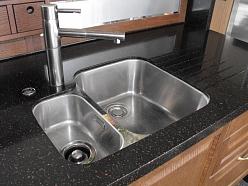 Izlietnes virtuvei modernai virtuvei