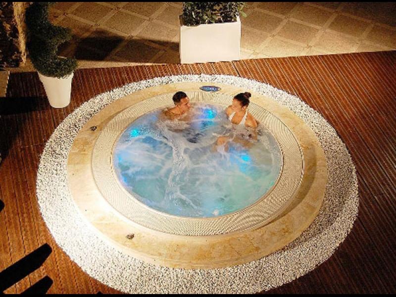 Spa hidromasāžas vannas