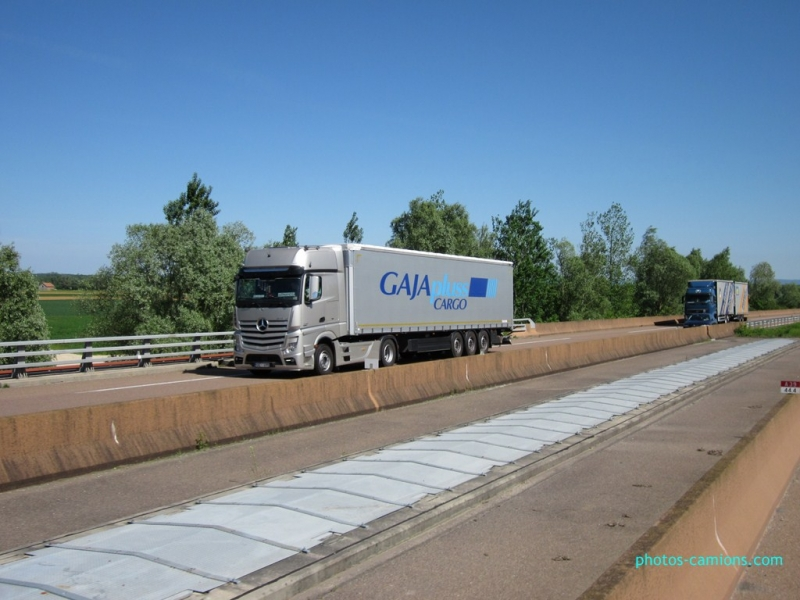 Salikto kravu pārvadājumi