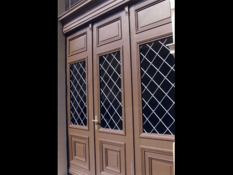 Dizaina durvis