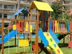 Plastmasas izstrādājumi rotaļu laukumiem