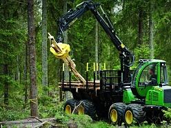 John Deere meža tehnika
