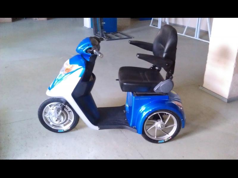 Invalīdu elektriskie skūteri