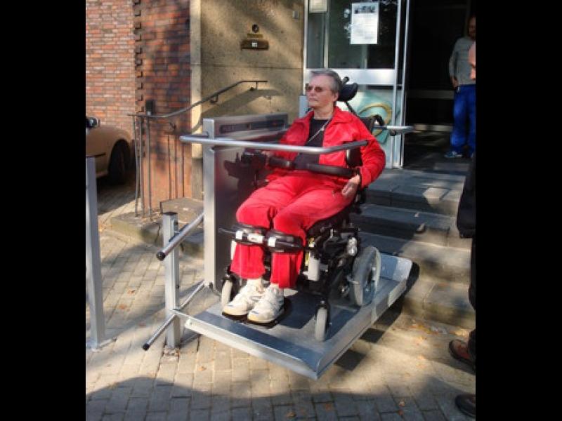 Invalīdu ratiņkrēsli