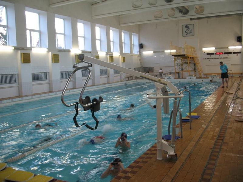 Invalīdu pacēlāji telpām un baseiniem