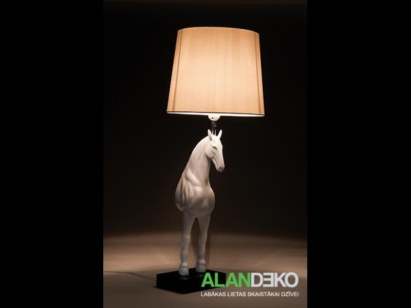 ALANDEKO interesanta galda lampa zirgs