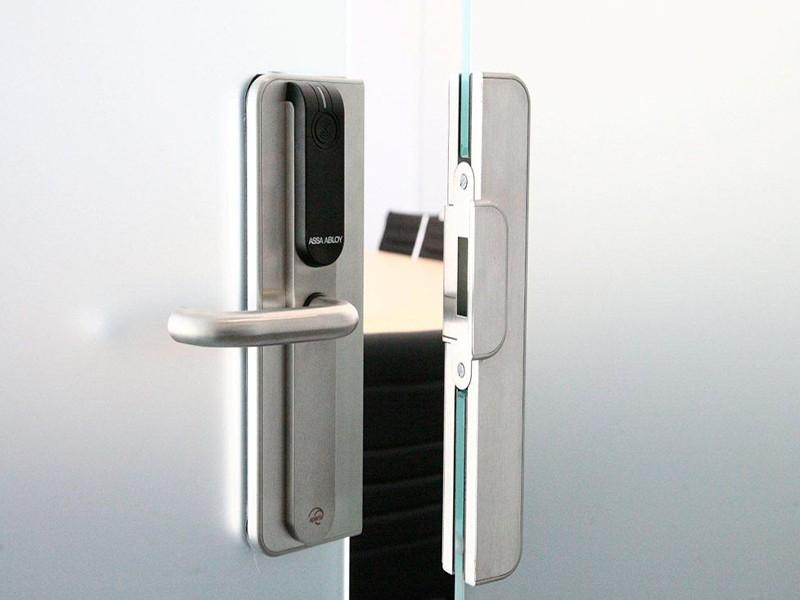 Sertificēta durvju aprīkojuma uzstādīšana