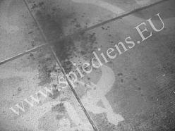 Betona grīda - netīra. Tīrīšanas pakalpojumi