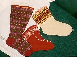 Vilnas zeķu darināšana, Tautastērpi individuāli un kolektīviem, Tekstilizstrādājumi