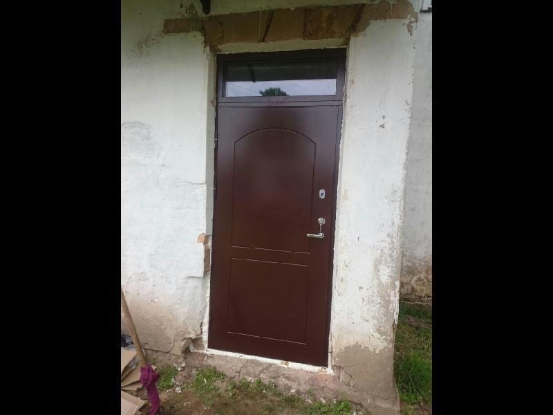 Metāla durvis Valmiera
