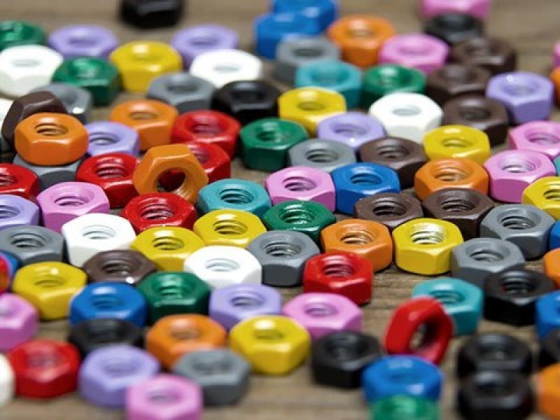 Furnitūru krāsošana