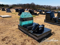 Beautiful glass headstones for urn burial in Japan, Glasstone.eu