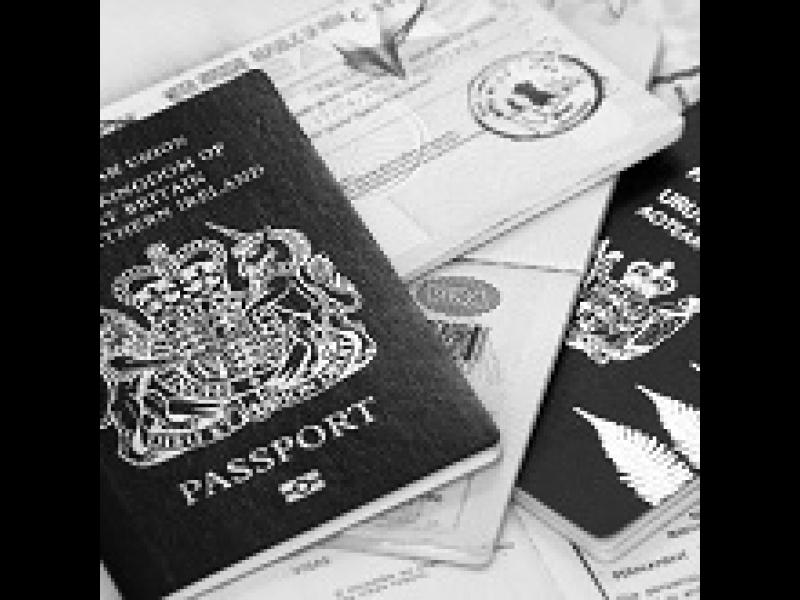 Gosselin helps with visa