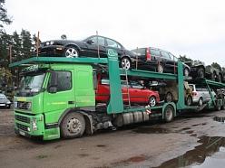 Automašīnu transportēšana ar treileriem