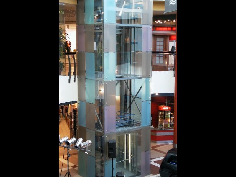 Stikla lifts