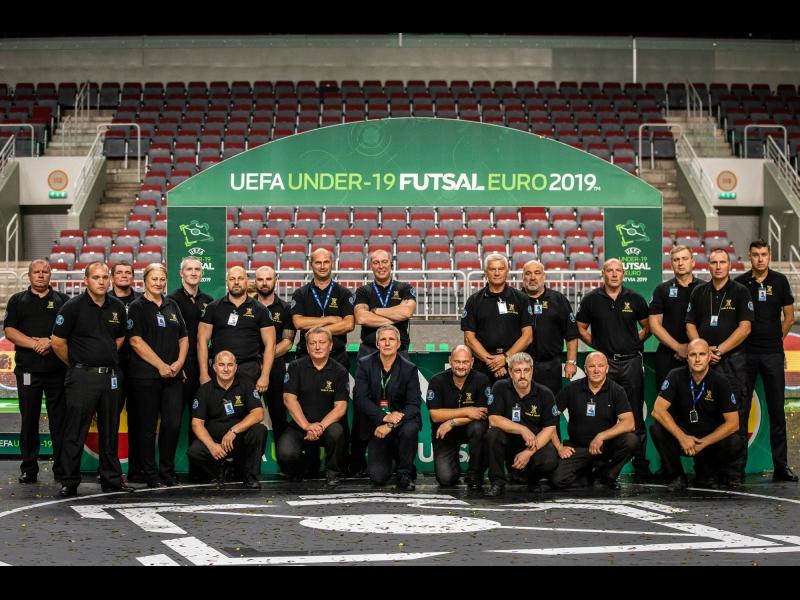 Futbola apsardze