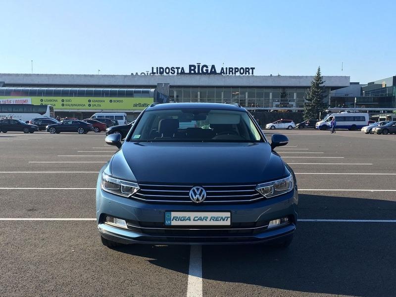 Auto noma lidostā Rīga