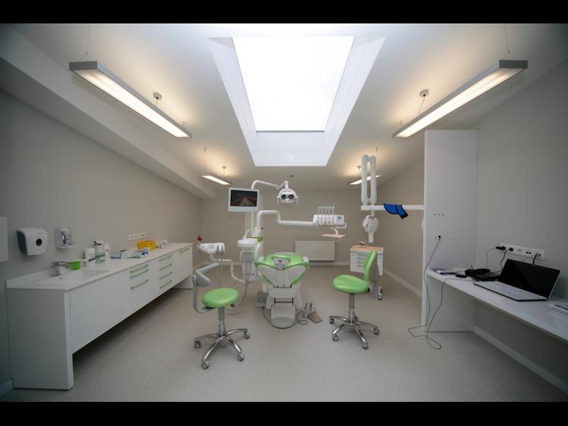 Zobu ārstēšana ar mikroskopu/endodonts/