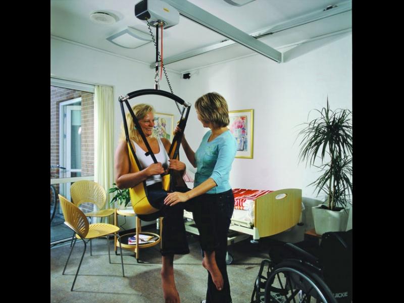 Invalīdu palīgierīce