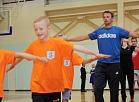 Siguldas skolēni sāk mācību gadu, sportojot kopā ar olimpiešiem
