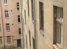 Raidījums: dzīvoklī Rīgas centrā dīvainos apstākļos gājusi bojā pusaudze no Valmieras