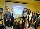 Kuldīgas Centra vidusskolas skolēni gatavo Eiropas Parlamenta pastkarti