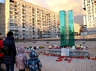 Zolitūdes traģēdijas upuru piemiņai veltītais pagaidu piemineklis.