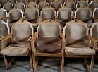 """Jaunā Rīgas teātra skatītāju zāle pagaidu telpās """"Tabakas fabrikā""""."""
