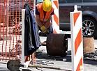 Barjeras un nožogojums Brīvības ielā, kur posmā no Stabu līdz Matīsa ielai notiek remontdarbi.