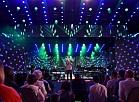 """Dziedātājs Grigorijs Ļepss uzstājas festivālā """"Laima Vaikule Jūrmala Rendez Vous"""" Dzintaru koncertzālē."""