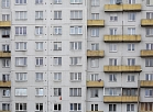 Daudzdzīvokļu ēka Anniņmuižas bulvārī.