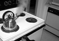 Vidzemēmazs bērns gūst ķermeņa apdegumus, apgāžot tējkannu ar karstu ūdeni