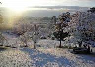 Latgalē sniega sega ir trīs centimetru biezumā, snigšana turpināsies