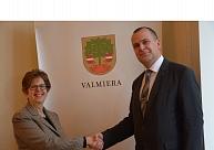 ASV vēstniece: Ekonomiskā sadarbība ar Valmieru ir īsts veiksmes stāsts
