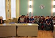 Dobeles Kristīgās pamatskolas skolēni iepazīstas pašvaldības darbu