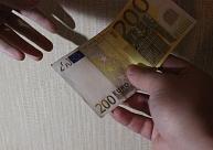 Saeimas deputātiem transporta un dzīvokļu kompensācijās par pagājušo gadu izmaksāti 295 000 eiro