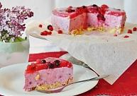 Ātrā ogu un biezpiena torte