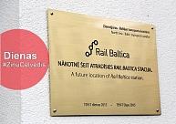 """Vienojas par """"Rail Baltica"""", Limbažos aizdegusies māja, notiks zinātnieku nakts"""