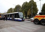 Krišjāņa Barona ielas un Raiņa bulvāra krustojumā tramvaja tehnisku problēmu dēļ izveidojies sastrēgums