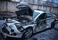 Limbažu novadā kravas automašīnai ietriecas policijas spēkratā; cietuši divi likumsargi
