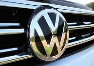 """Pērn pirktāko lietoto auto topa trijniekā bija """"Volkswagen"""", """"Volvo"""" un """"Audi"""""""